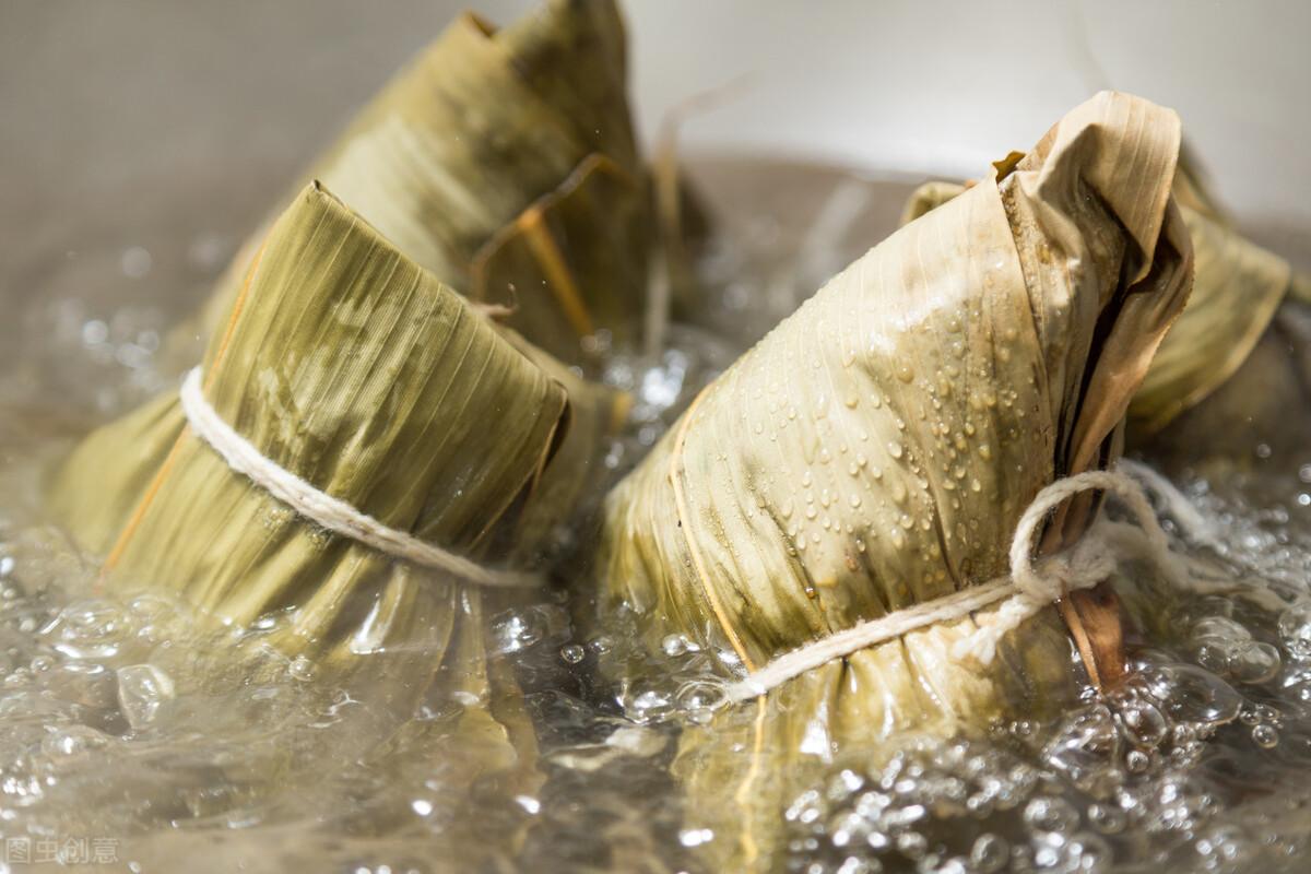 煮粽子,不要只会用清水,记住2个窍门,粽子软糯香甜,不夹生 美食做法 第2张