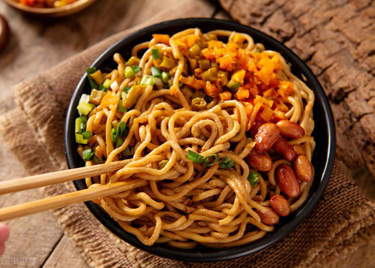 武汉大姐离婚后开饭馆,用一碗绿豆汤,两个月收入30万,太厉害