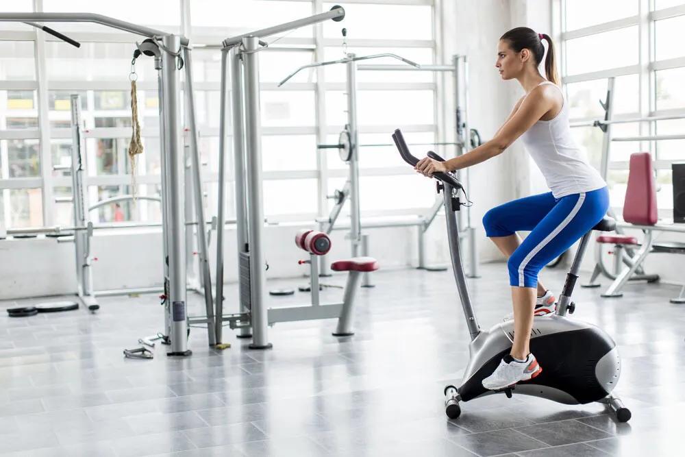 38岁身材保持完美,大长腿搭配沙漏身材,保留肌肉是最好的抗衰