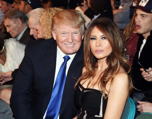 特朗普老婆模特裸照被曝光,又涉嫌学历造假