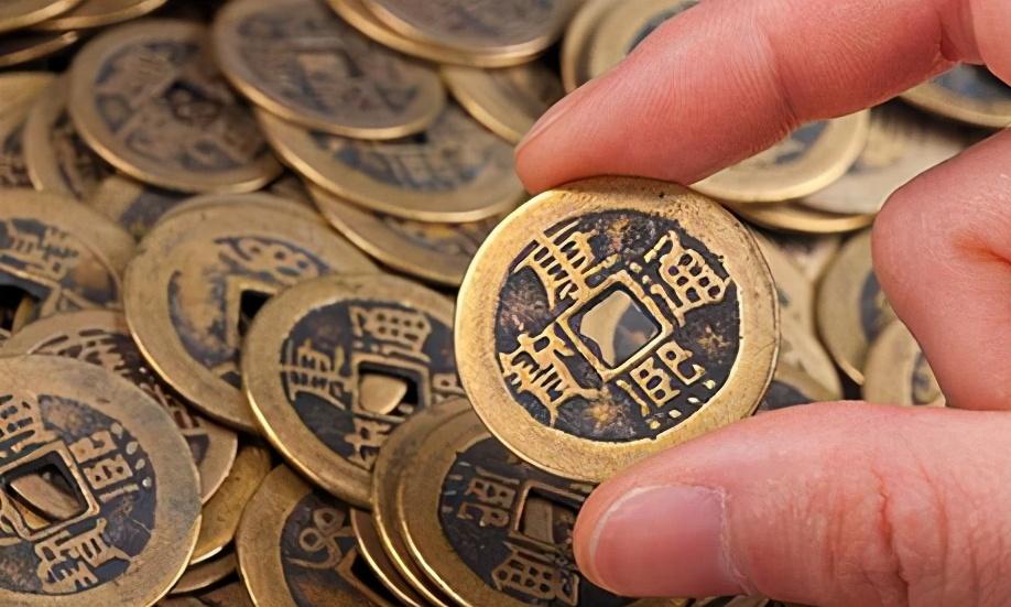 """中国管""""钱""""叫人民币,外国人""""叫""""有点别扭,但是已经获得国际认证"""