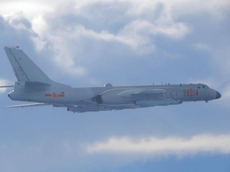 胡锡进:这已非警告,而是实战性演练攻台 原创 胡锡进 2020-09-20 13:45:41 解放军东部战区9月18日在台海组织实战化演练,台媒上午称,从9月18日7点16分开始,解放军战机从台湾西南