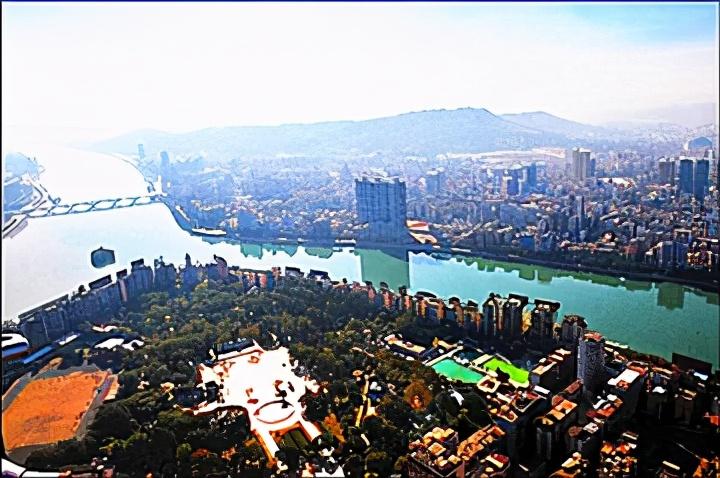 """韶关""""三山、三江、六岸""""山水环境营造风水宜人宜居的城市"""