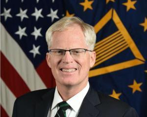 对中国是好事?美国首位非洲裔黑人国防部长,与拜登有生死之交