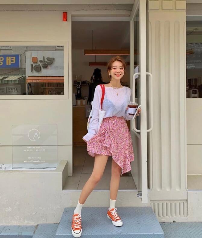 小清新的ins小姐姐很会穿 像夏日的冰淇淋,温柔甜蜜