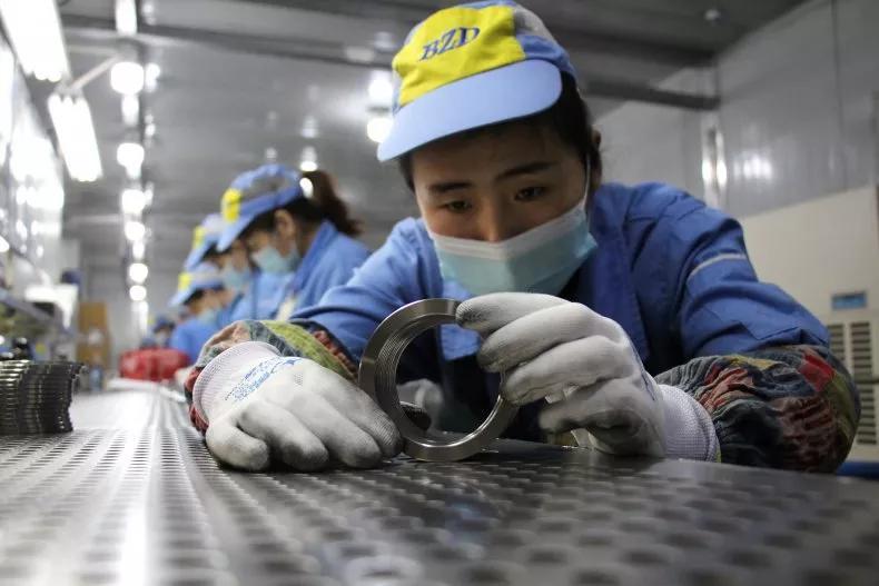 英国经济学专家:中国不会超过美国成为世界最大的经济体