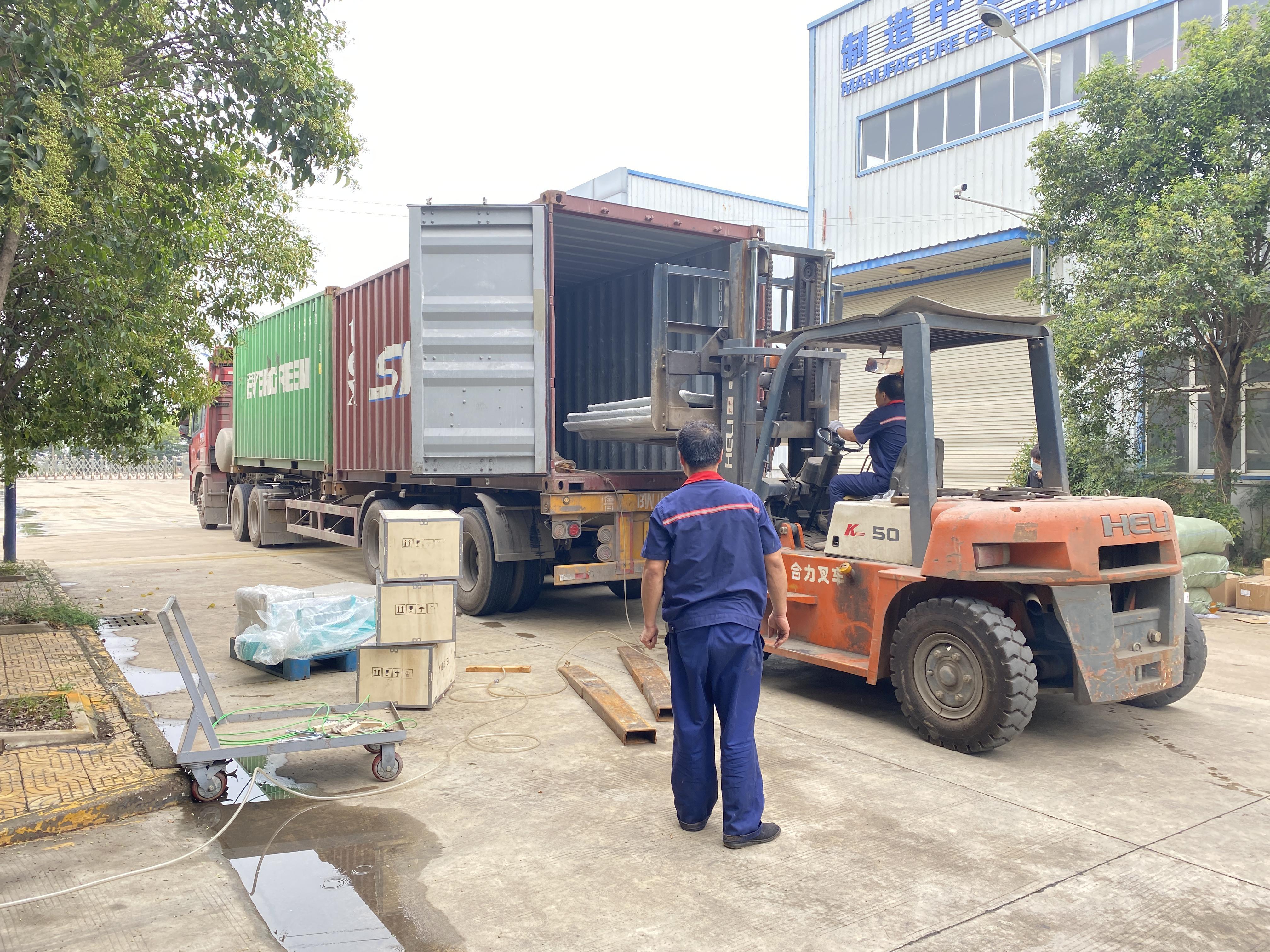 8月12日,由华豫万通承建的菲律宾玉米制粉项目装箱发