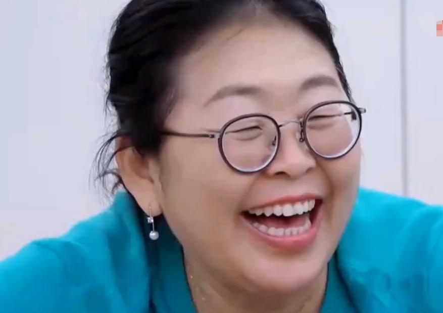 沈梦辰把杜海涛妈妈的饺子汤倒掉了,未来婆婆下意识的表情引热议