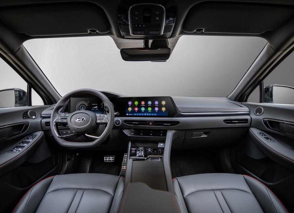 10多萬的合資B級車,北京現代索納塔,到底值得購買嗎?
