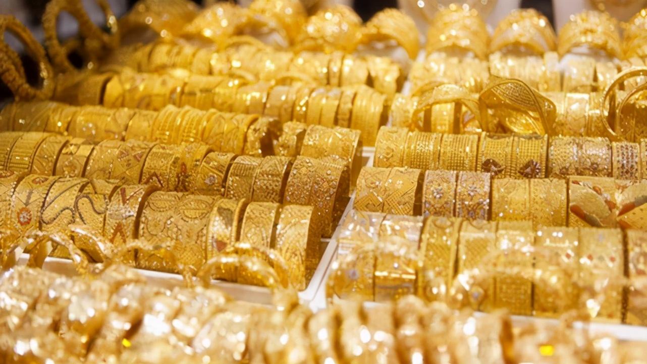 春节成为黄金消费的旺季,周大福抢占了29%的市场,一个品牌增长了133%