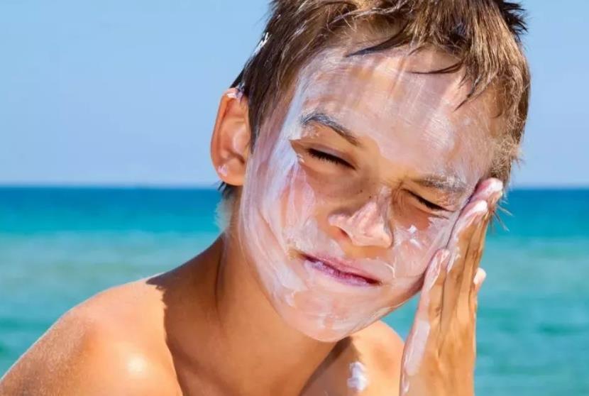 物理防晒or化学防晒,两者有啥区别?一个细节决定防晒效果优劣