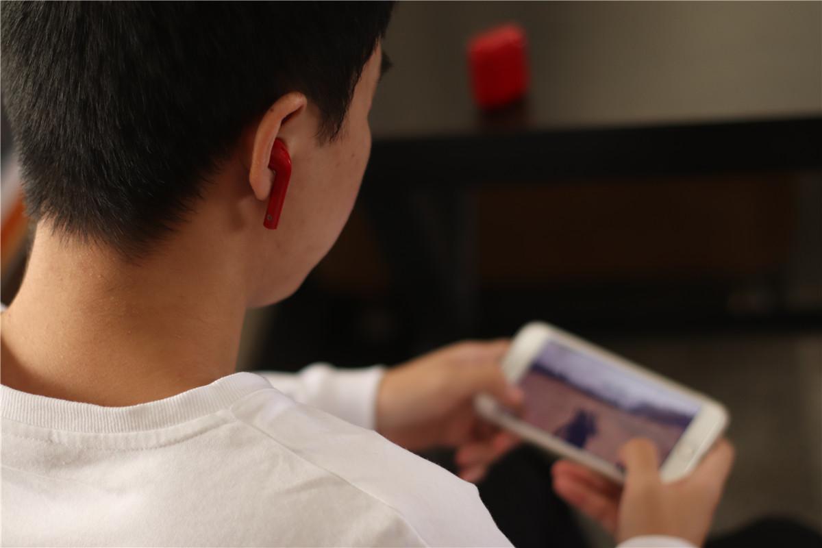 配音大师潘粤明代言,漫步者DreamPods通话降噪全新体验