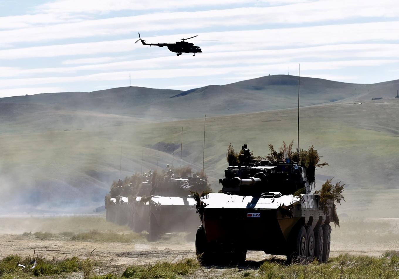 俄边境10万大军撤退!普京果然老谋深算,军队走了但还留了一手