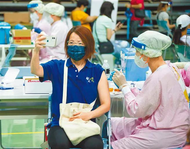 """民進黨一直宣稱下單,疫苗卻到不了台灣,趙少康批""""都是空談"""""""