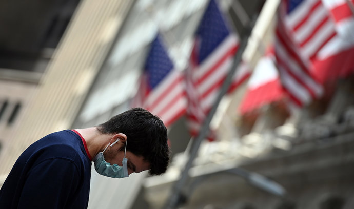 《纽约时报》发文:中国变得更好,我们病得更重,谢谢你,特朗普