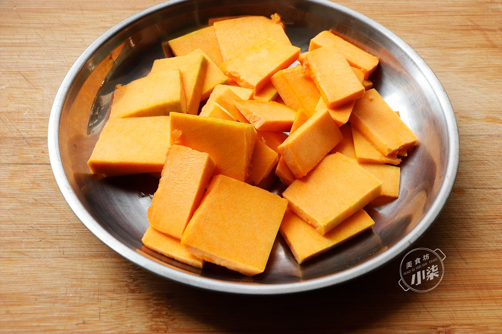 秋天要多吃南瓜,加碗麵粉,不油炸,滿屋飄香,比紅燒肉還受歡迎