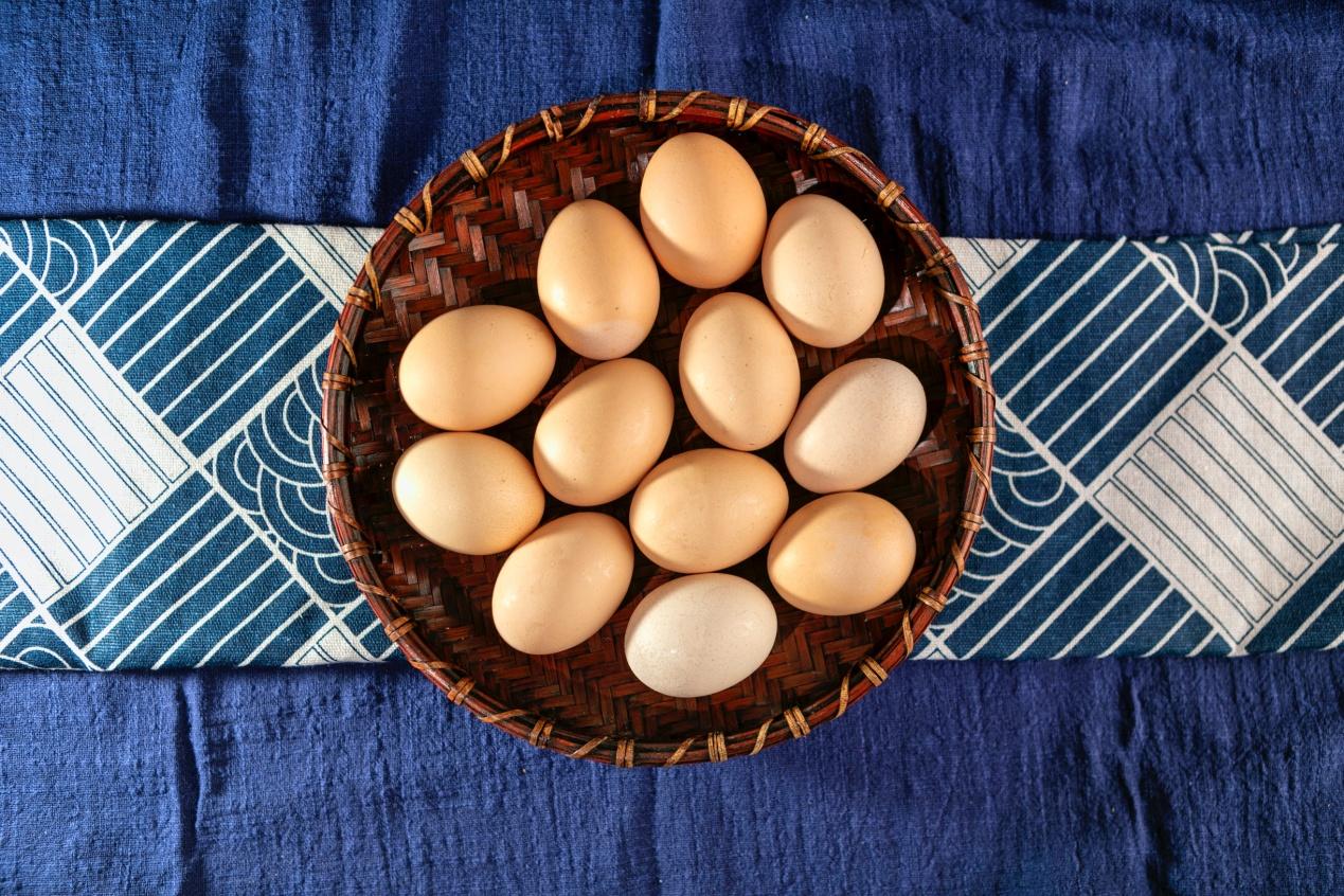 一天吃两颗鸡蛋胆固醇会超标吗?