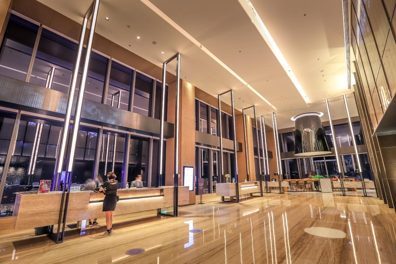 深圳城市轻度假,打卡高空海景酒店,夕阳余晖美不胜收