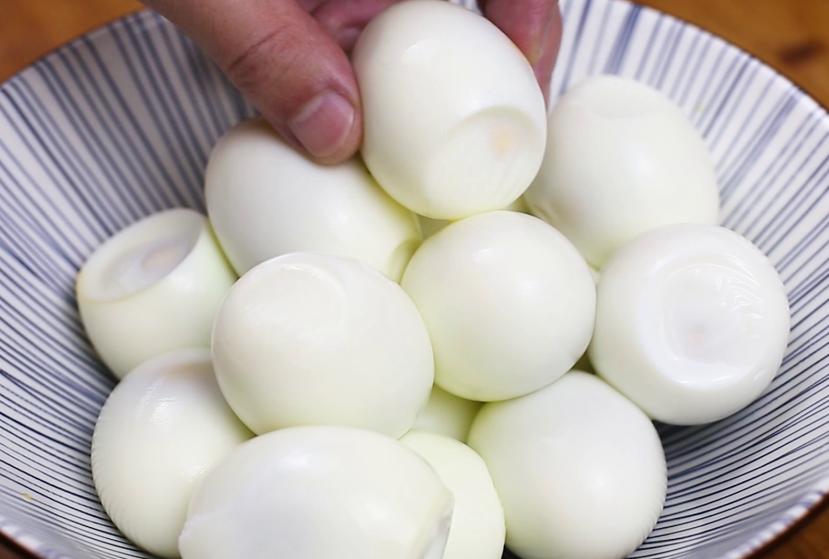 """""""乡巴佬卤鸡蛋""""的做法,吃完后口齿留香 美食做法 第2张"""