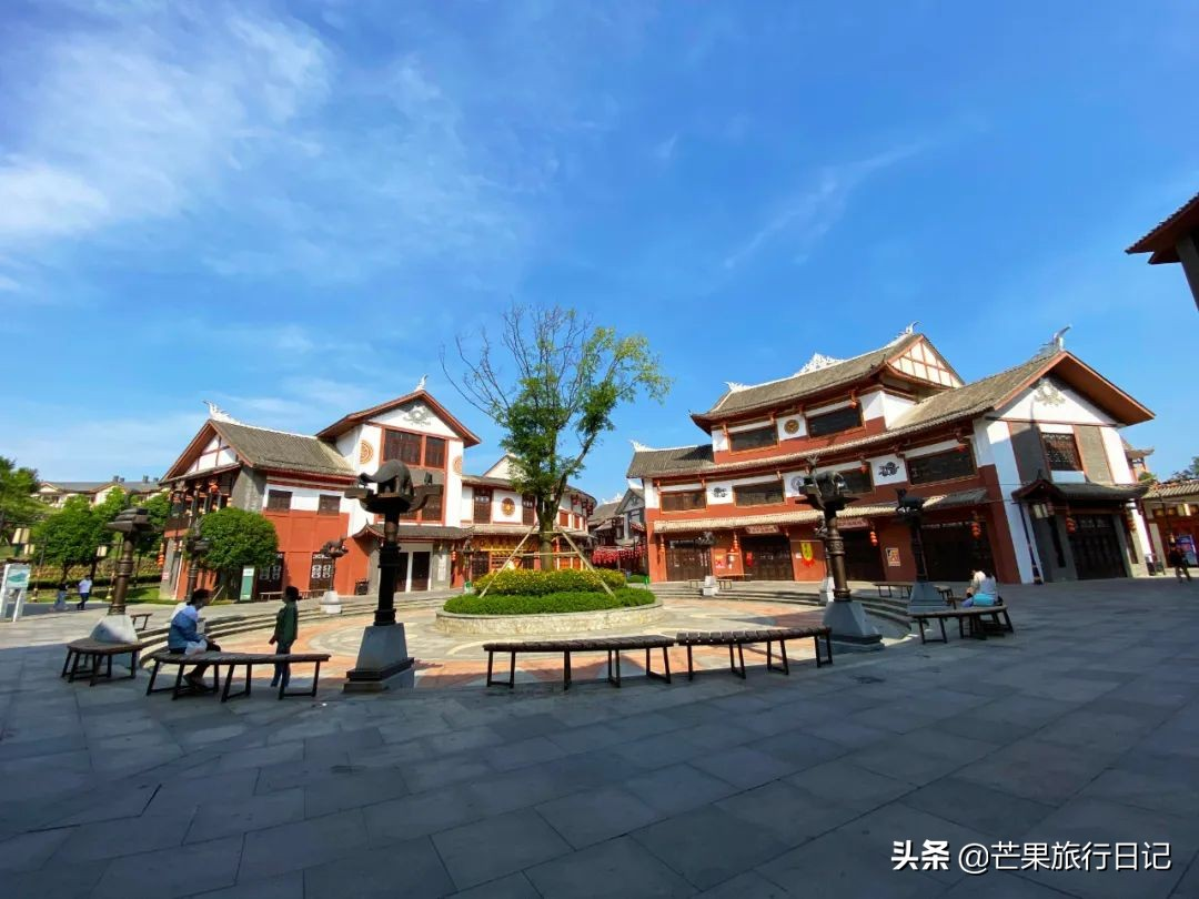 贵州有个县,距离贵阳150公里,名气不大却拥有两处世界之最景点