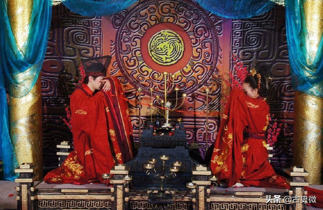"""箕踞不代表无礼:从""""孟子休妻""""看坐姿中的中国礼仪文化"""