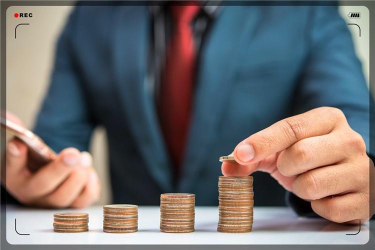 42岁失业者有5000元本钱,做什么小生意,收入能比上班强?