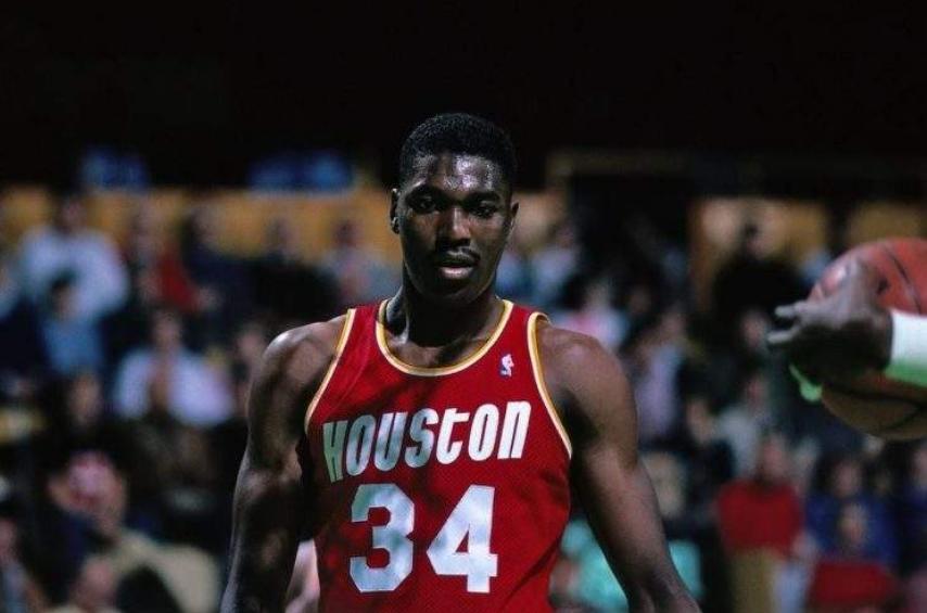 单核带队有多困难?翻遍NBA历史仅三次做到,含金量毋庸置疑