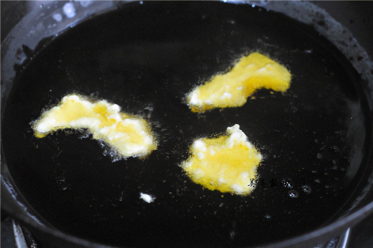 榴蓮皮加雞蛋,簡單一攪,秒變外焦里嫩榴蓮酥,比炸雞腿還香
