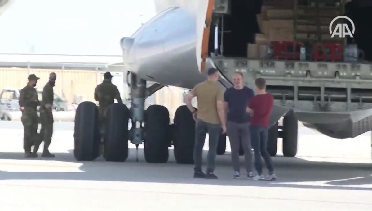 现实魔幻!美俄特种兵在喀布尔机场相遇,美军