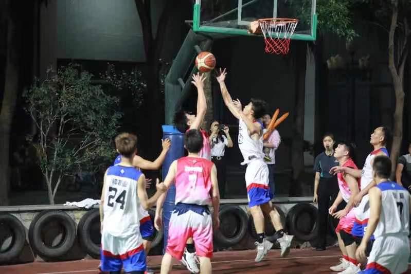 """第八届""""光大杯""""篮球联赛开启"""
