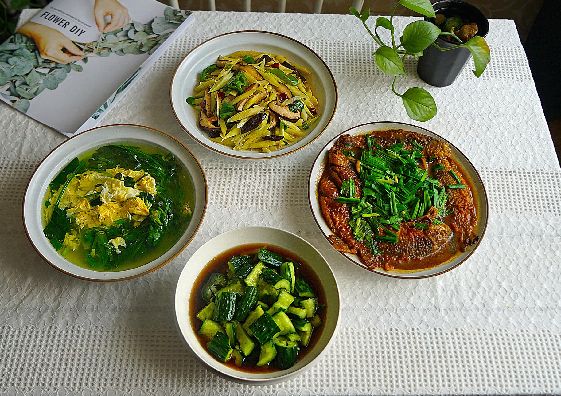 晒苏北一家人的清淡午餐 美食做法 第1张