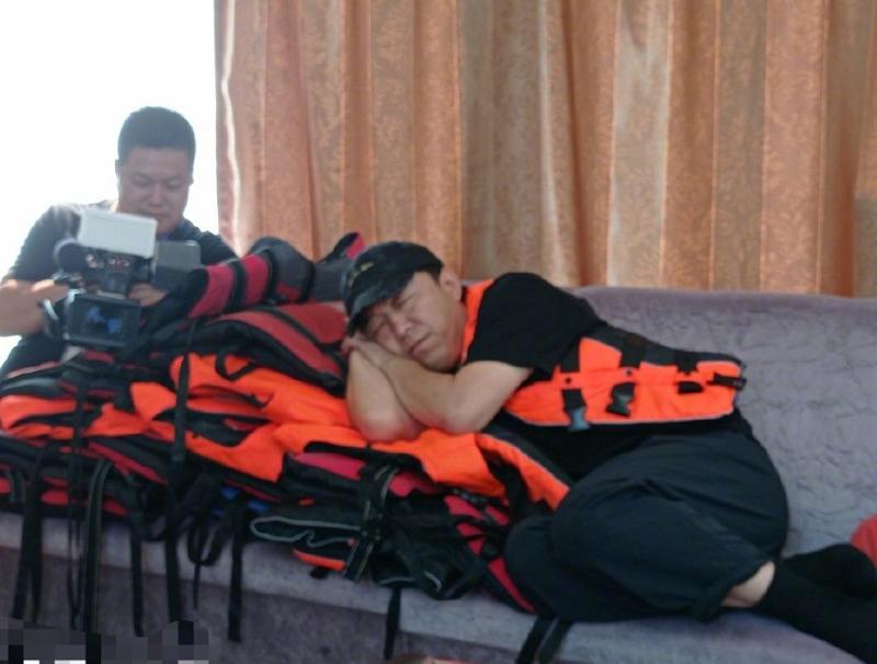 昔日跑男三兄弟合体录新综艺,刚开始就累坏了,预定下个爆款节目
