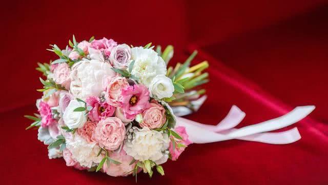 心理测试:这三款捧花,你最喜欢哪一种?猜猜你的爱情运
