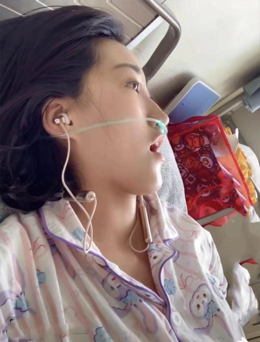 """29岁""""抗癌女孩""""去世!生前爱笑结婚仨月确诊肺癌,丈夫悲痛发声"""