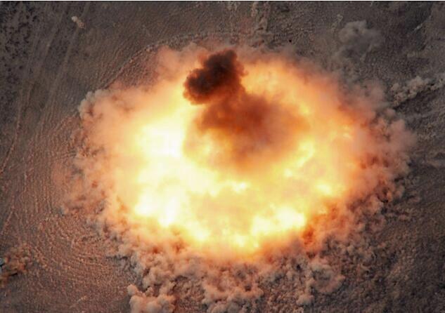 分裂分子的噩梦!东风15C钻地导弹穿透力超美国GBU57!还能反跑道