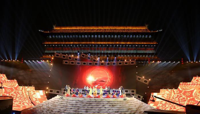 """聚焦丝路国际电影节 影视人回家""""西影之夜""""盛典活动在陕举行"""