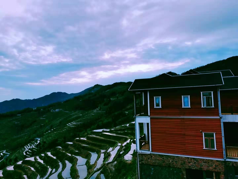 夏喜衡:《雪峰山的黎明》,乡村振兴的曙光
