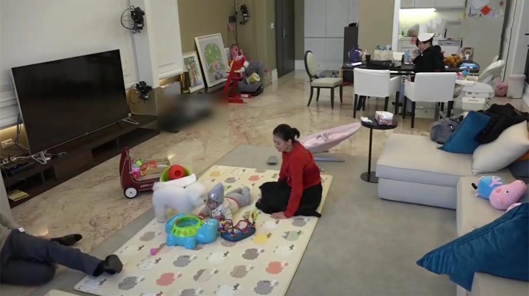 賈靜雯曬千萬豪宅! 頭一次見三分離的廚房,自稱客廳大到能跑步