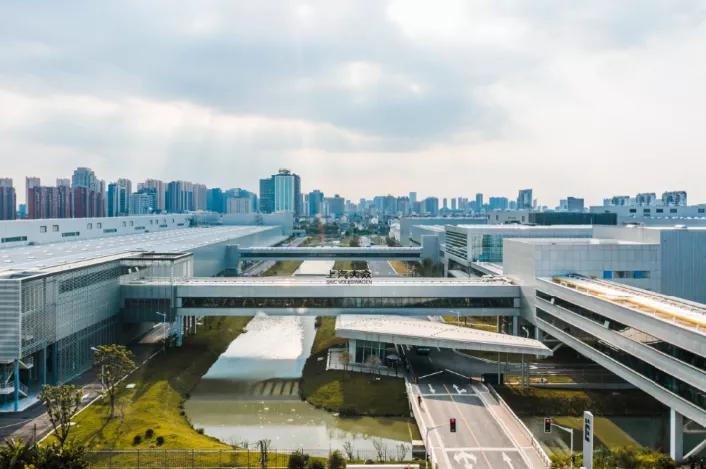 探秘上汽大众新能源汽车工厂 大众未来智造的孵化基地原来长这样