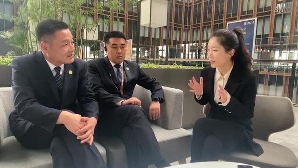 河南小镇青年闯北京:我在亚投行当保安