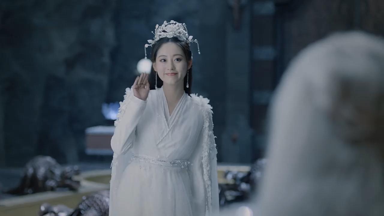 古装剧中穿着白衣的女子,谁更惊艳?