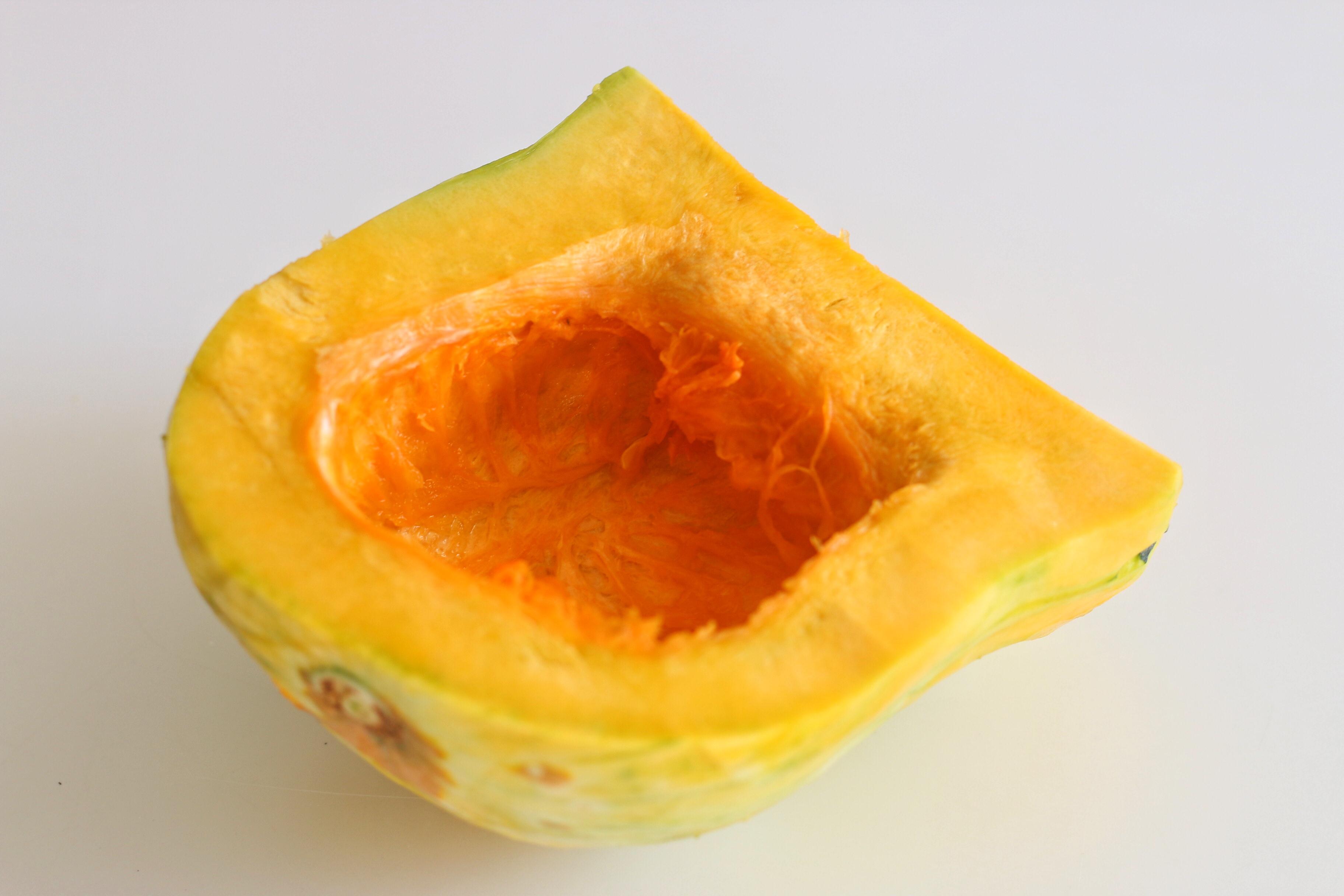 用南瓜燜了一鍋飯,沒炒菜,孩子吃得有滋有味,秋天就愛這麼吃