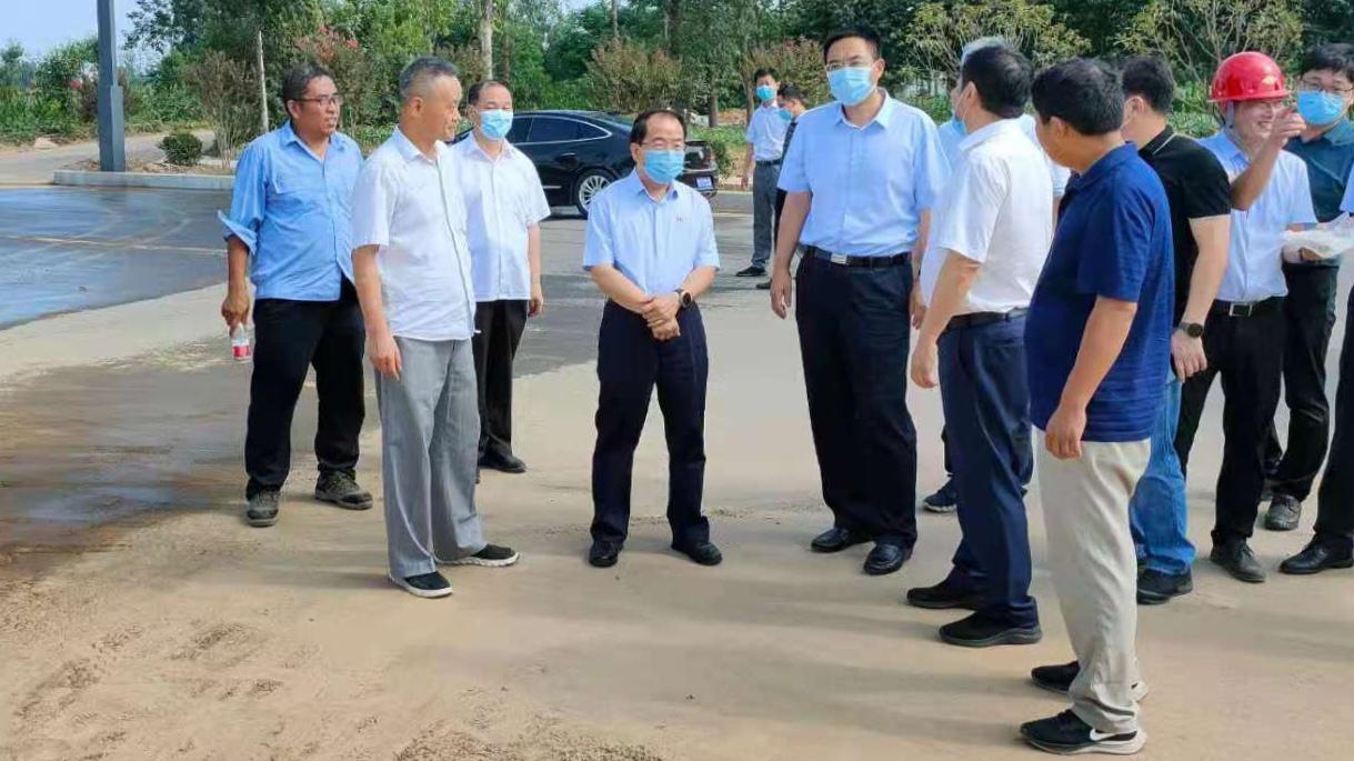 平煤神马集团党委书记、董事长李毛到平顶山尼龙产业集聚区调研