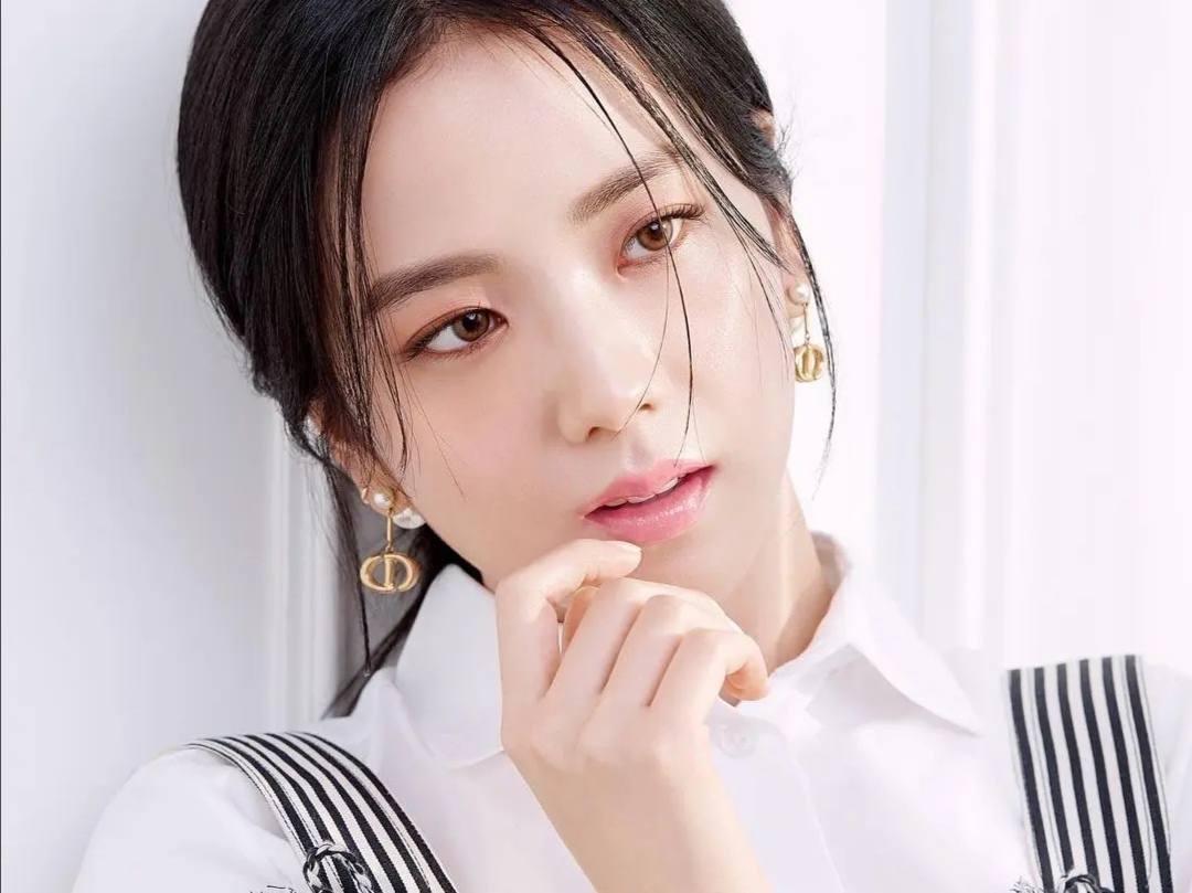 金智秀中国粉丝集资370万为其庆生,包包服饰都是奢侈品