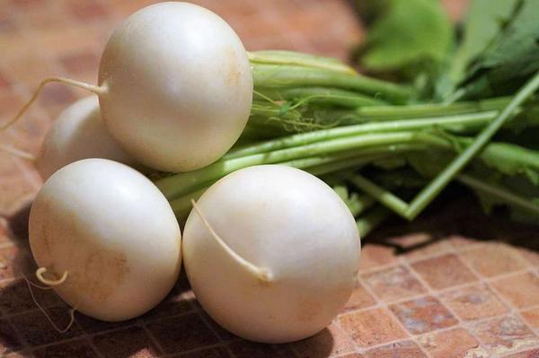 痛風不敢吃東西? 這4種食物不僅美味,還能幫你降尿酸