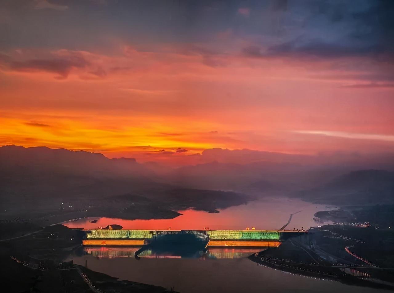 中国又一巨型水电站诞生:总花费1800亿,还将创造多个世界第一