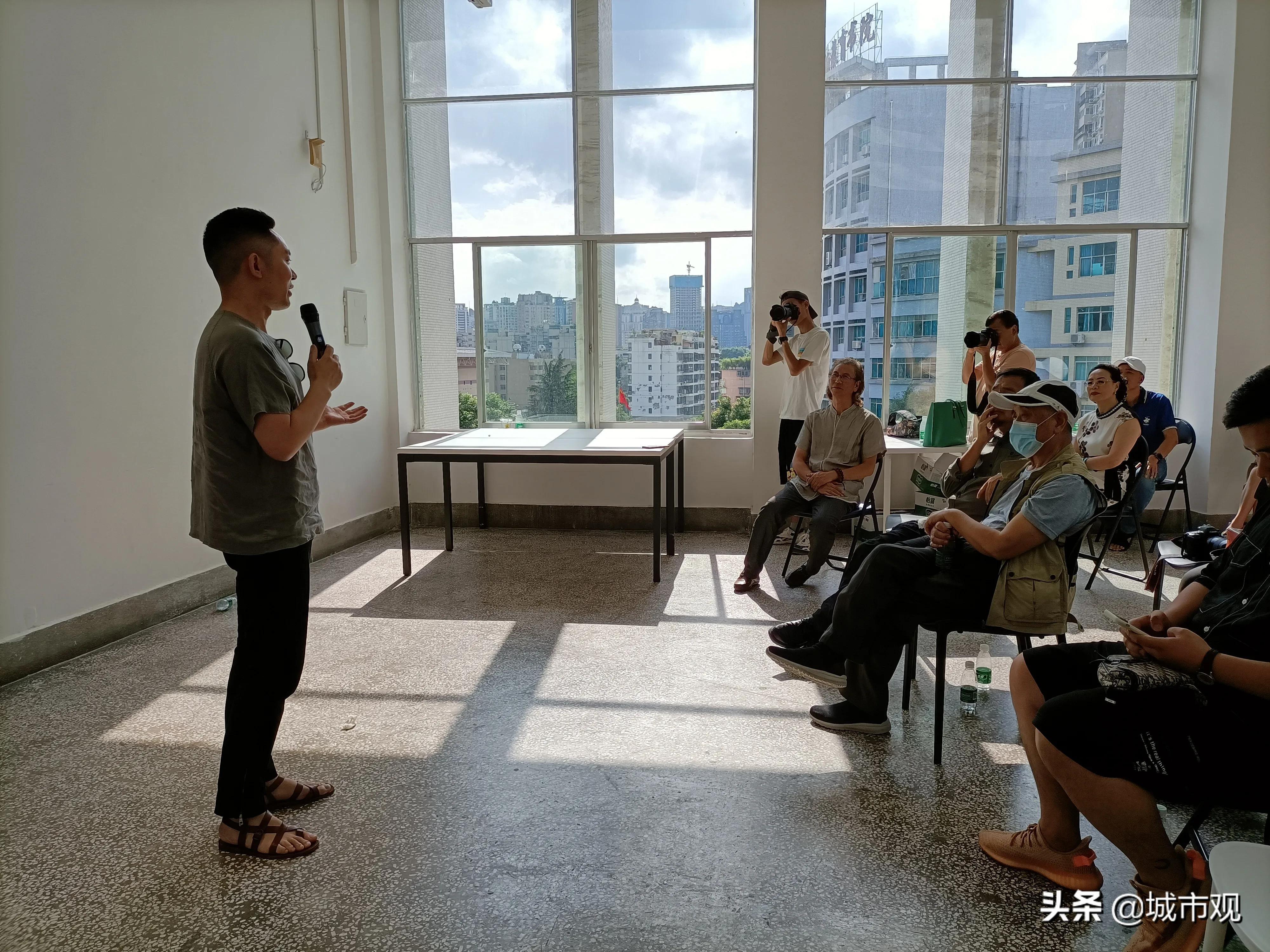 大展黔图《一轮·素念禅心》黄驿伦摄影作品在贵州师大美术馆展出