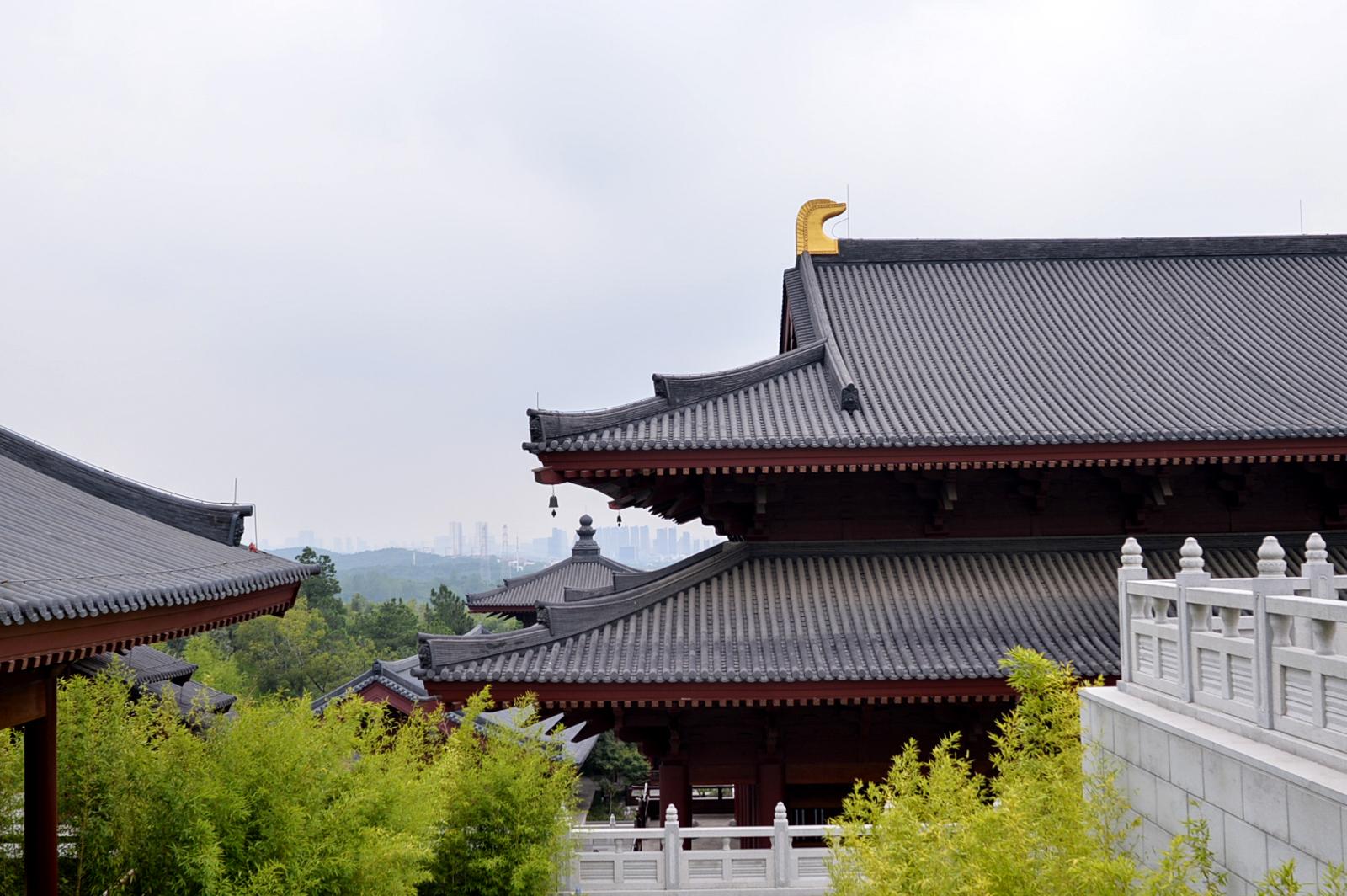 """南京牛首山佛顶宫,耗资40亿占地900亩,到底有多""""奢华""""?"""