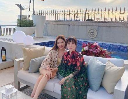 甄子丹老婆豪擲三千多萬買樓,夫妻已有三億房產,身家豐厚得驚人