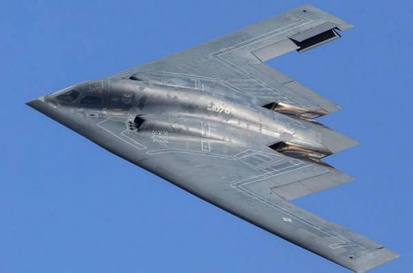 B2轰炸机飞行时间可达70小时,飞行员怎么撑下来的